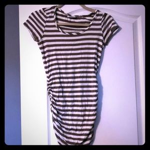 A Pea In the Pod XS Maternity Shirt